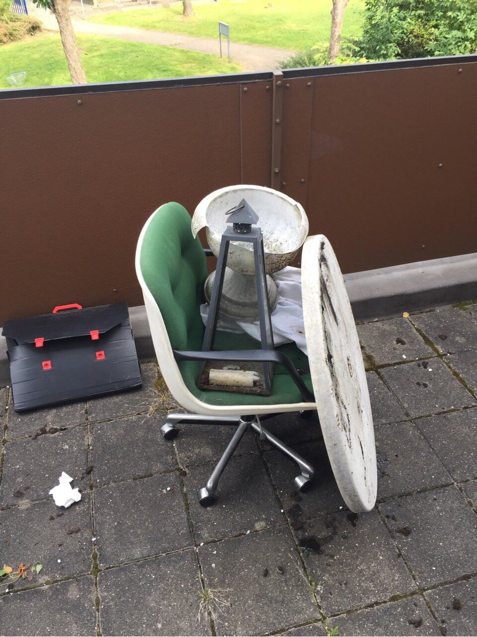 house refuse collection W5