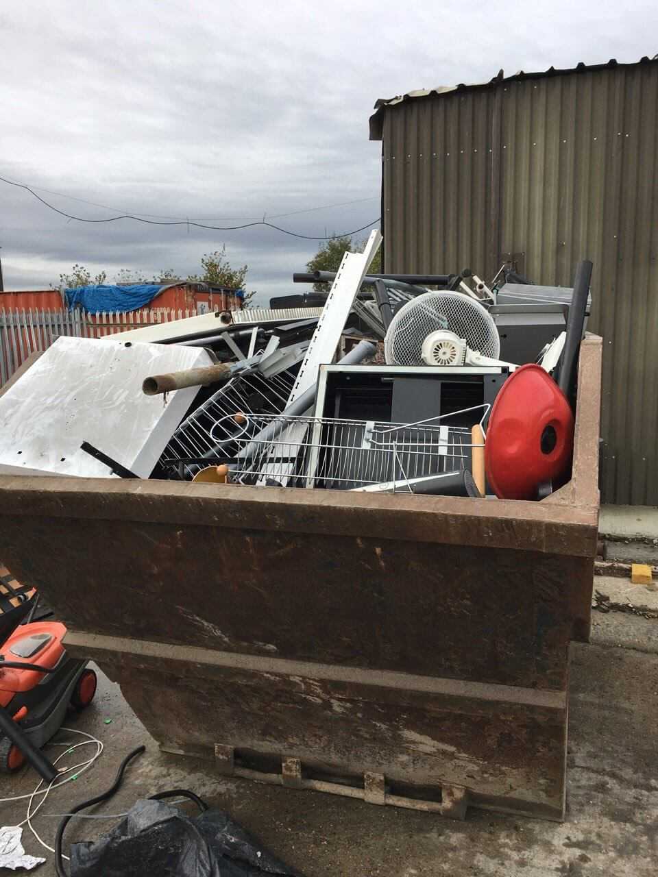 garden waste recycling KT23
