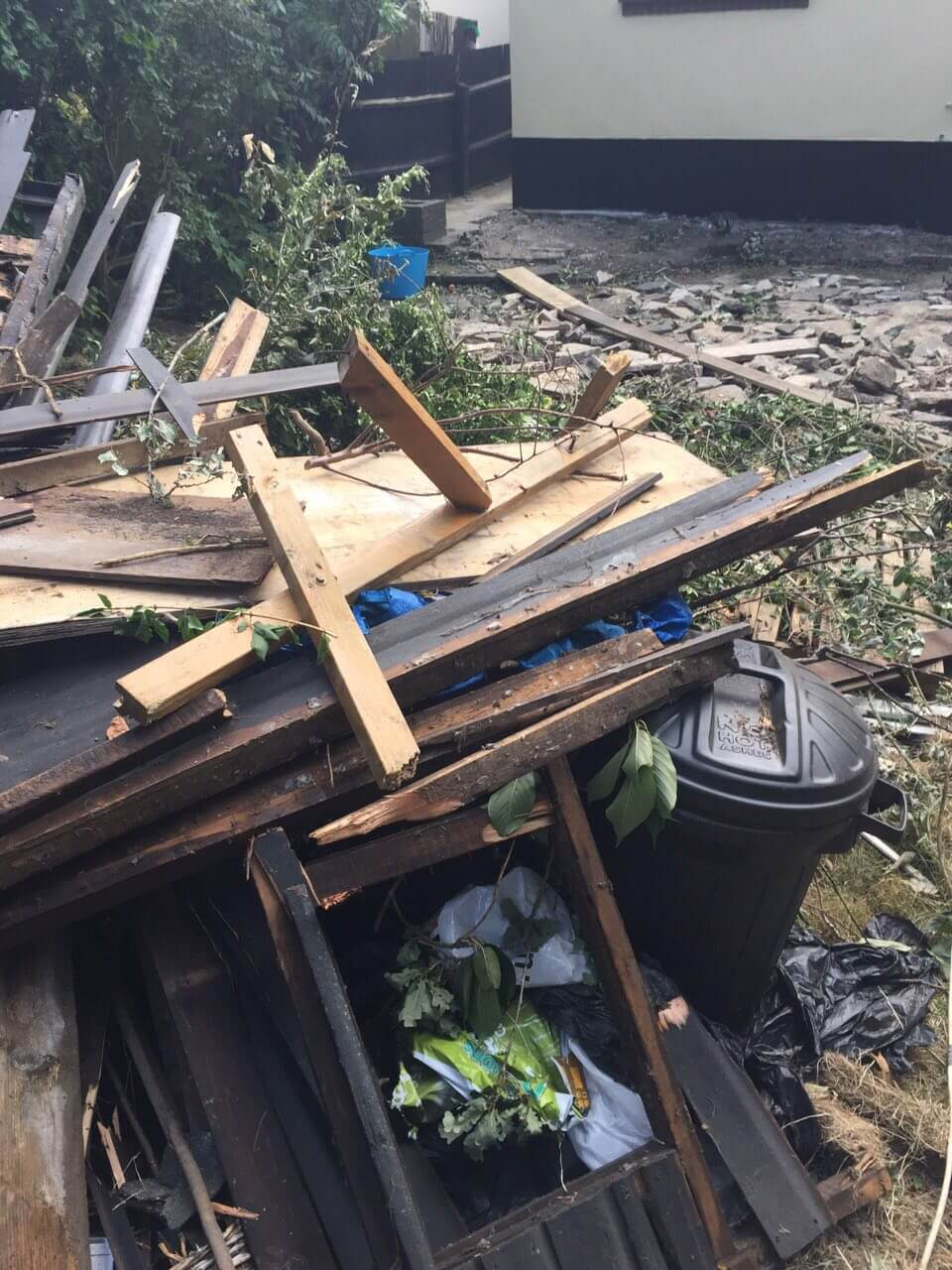 garden waste recycling KT1