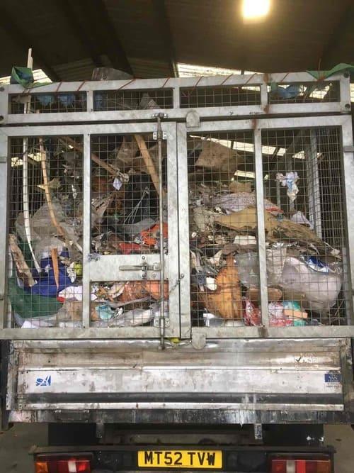 rubbish skips hire E14