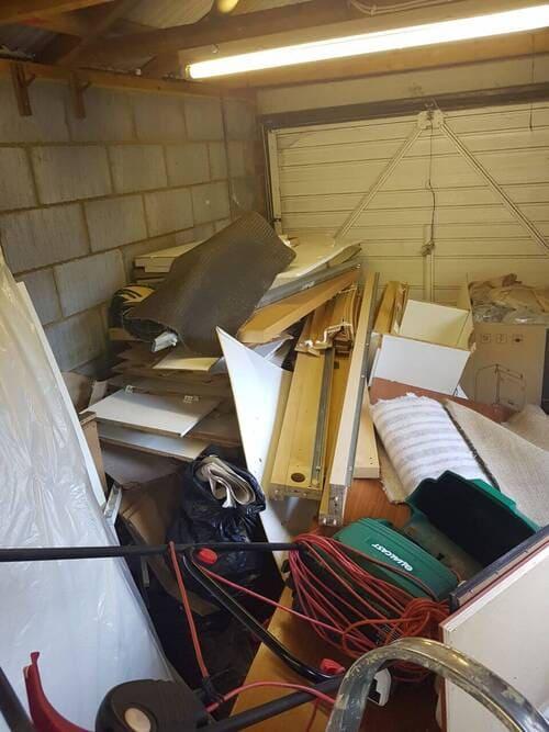 house refuse collection E8