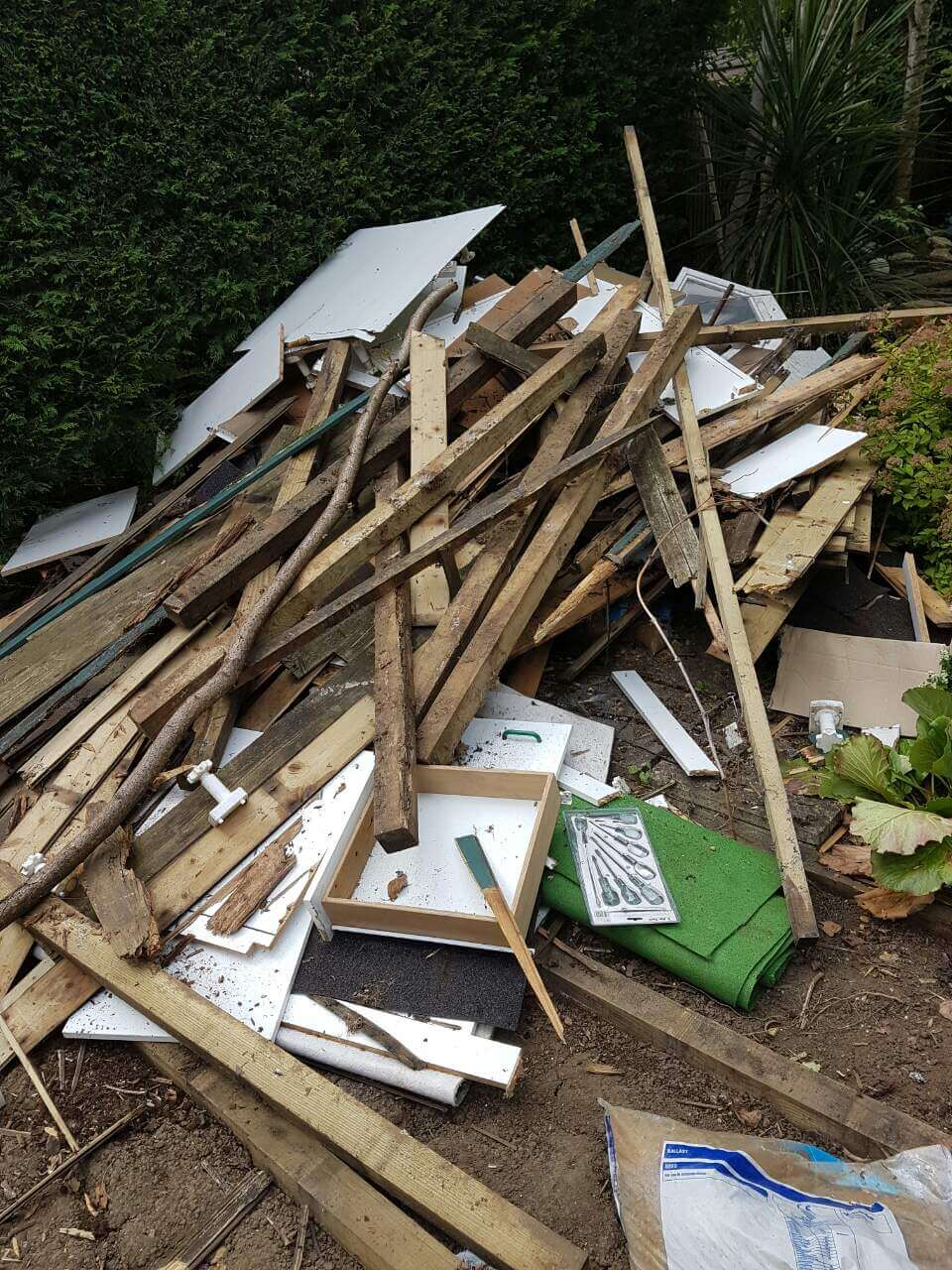 TW9 garden clearing Richmond upon Thames