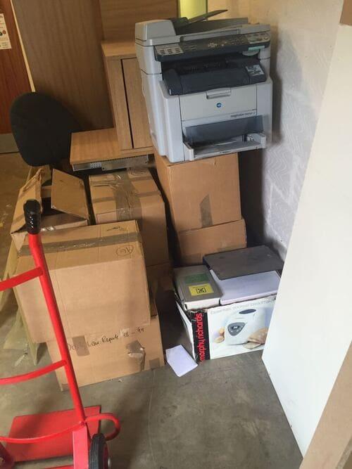 rubbish removal service UB2